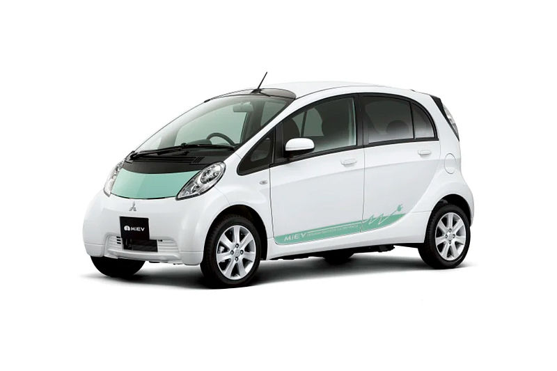 2000er Jahre: Electric Vehicle (i-MiEV) untermauert Mitsubishis Rolle als Innovationsmotor